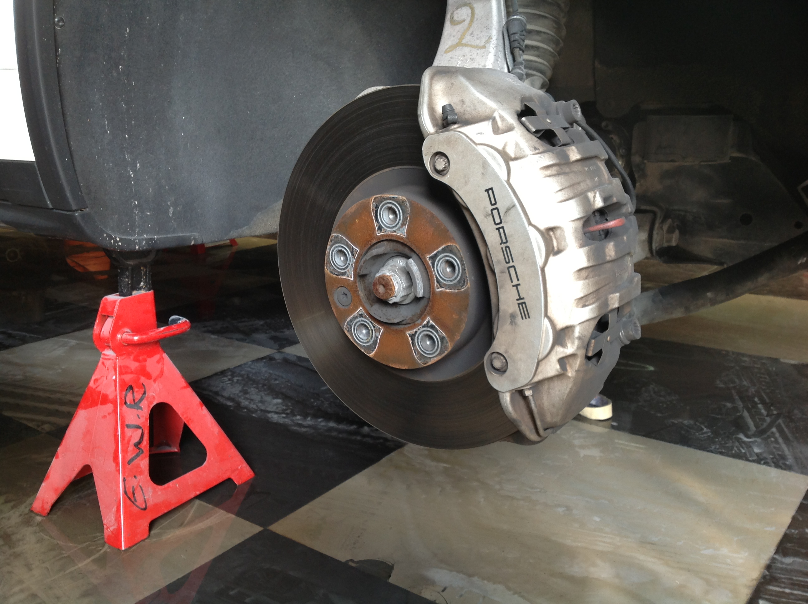 Cayenne brake caliper before