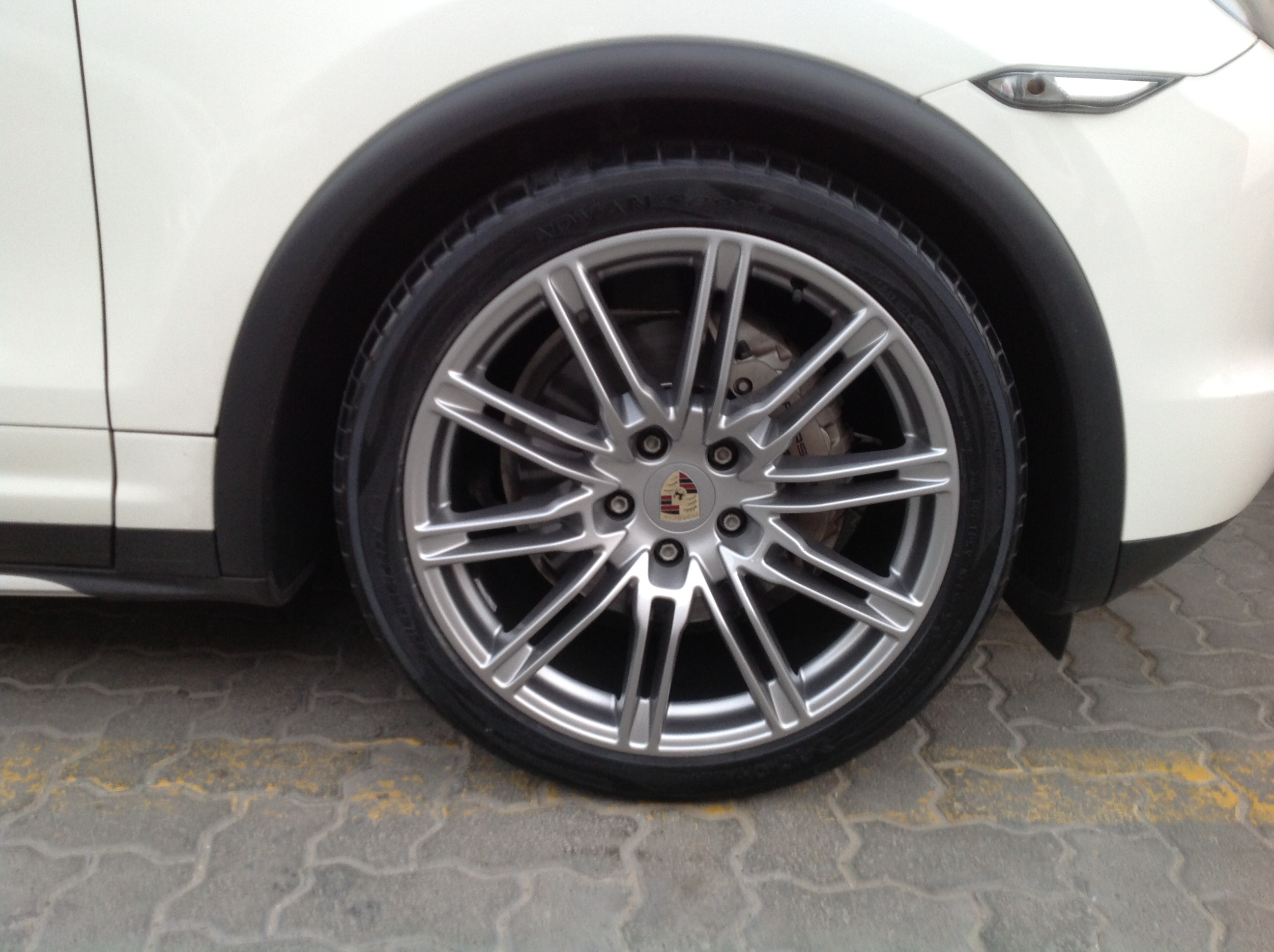 Porsche cayenne white after (2)